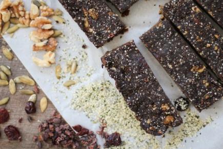 cocoa-superfood-hemp-protein-bars1